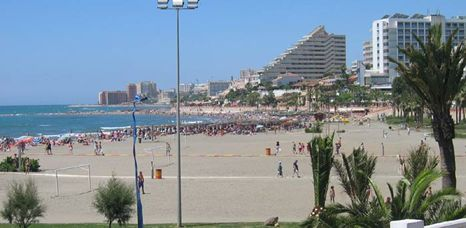 Torremolinos beach holiday resort in costa del sol spain for Aquarium torremolinos